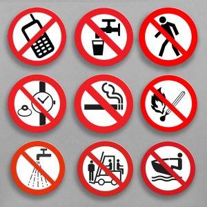 Круглые информационные знаки на пластике