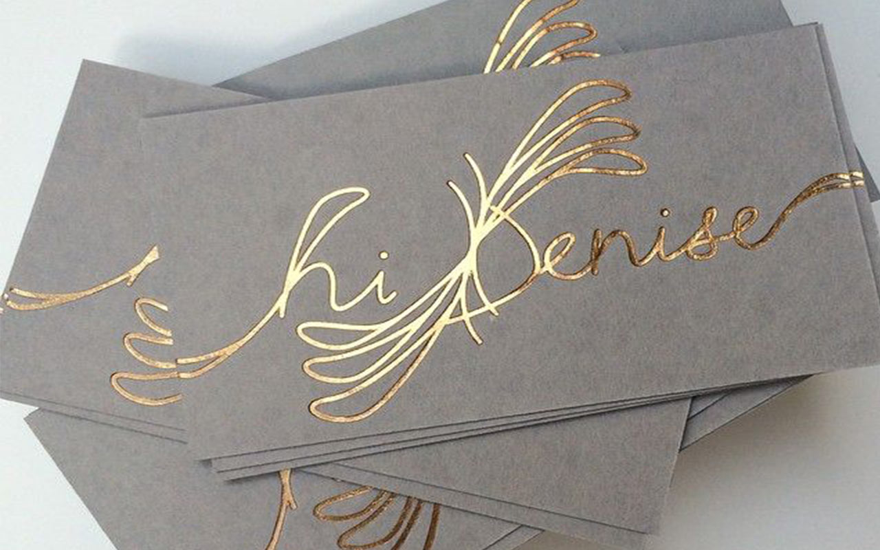 визитки с золотым тисненим